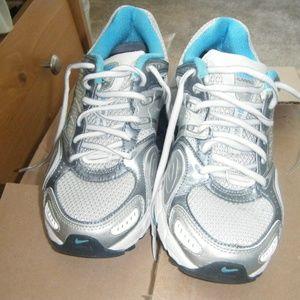 Nike Running Shoe Bowerman Series SZ 7.5 Women